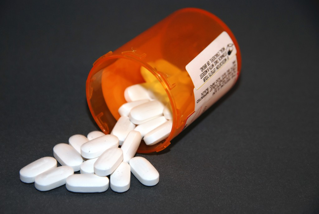 Лекарства при остеохондрозе: пить или не пить?