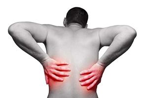 К какому врачу обратиться при сильных болях в спине