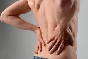 Хрустит и болит в спине и грудной клетке