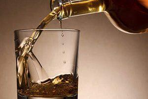 Можно ли употреблять алкоголь при грыже позвоночника