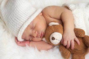 В какой позе лучше всего спать новорожденному