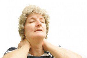 Что такое тремор головы при шейном остеохондрозе и как с ним бороться