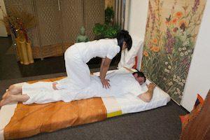 Чем отличается тайский массаж от европейского