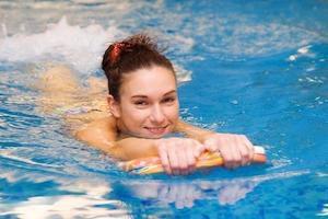 Гимнастика в бассейне при остеохондрозе