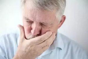 Тошнота при остеохондрозе и грыже позвоночника