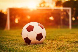 Можно ли заниматься футболом при грыже позвоночника