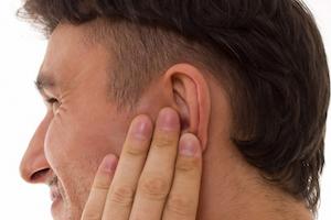 Звон и свист в ушах при остеохондрозе